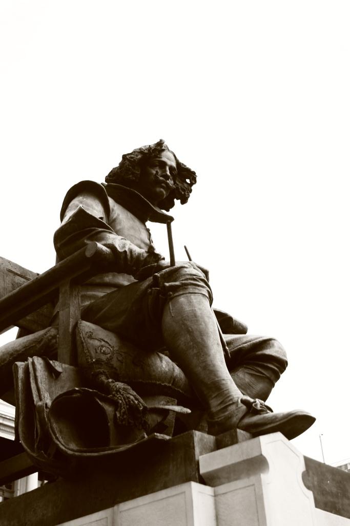 Prado Müzesi - Velázquez heykeli