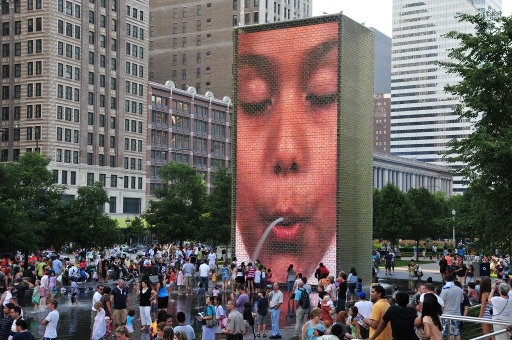Chicago_-_Crown_Fountain_-_Millennium_Park_(2713868085)