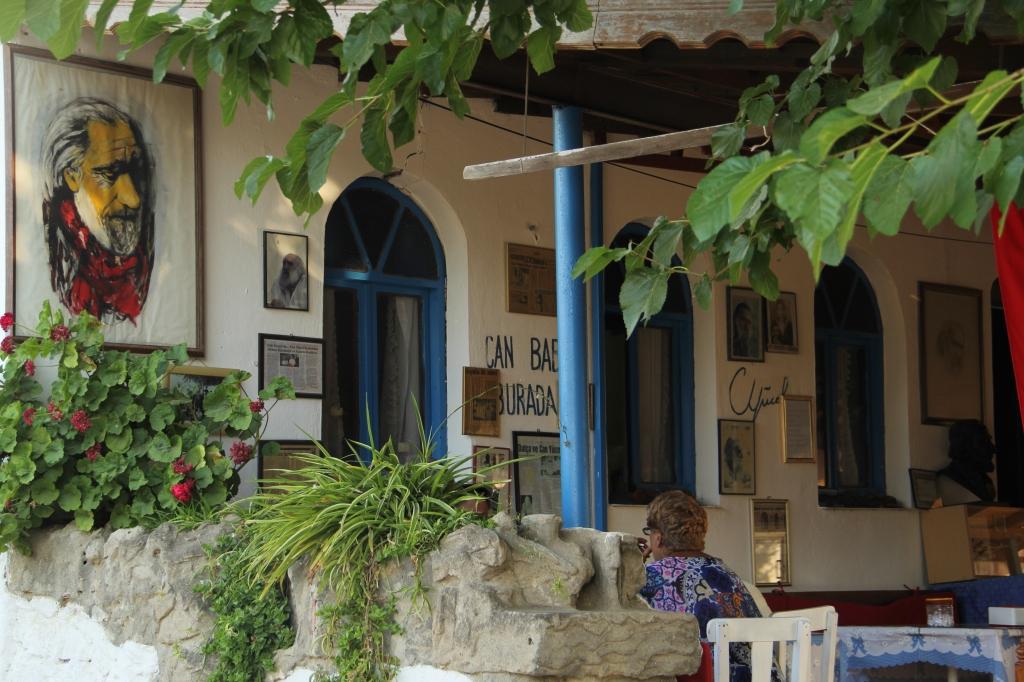 Can Yücel Köşesi / Karya Çay Bahçesi - Orhan'ın Yeri